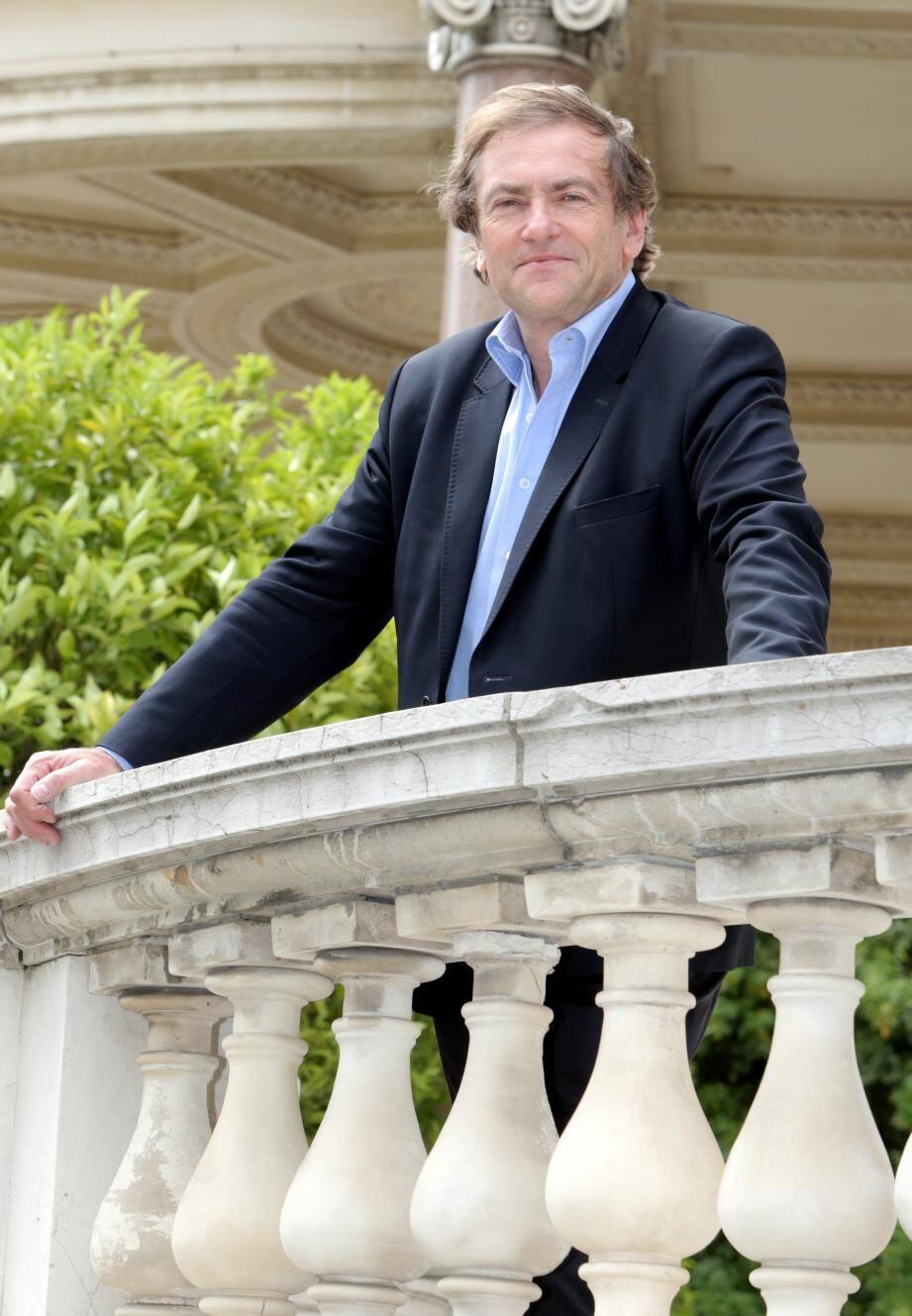Didider van Cauwelaert en mai 2016, dans les jardins de la villa Masséna.