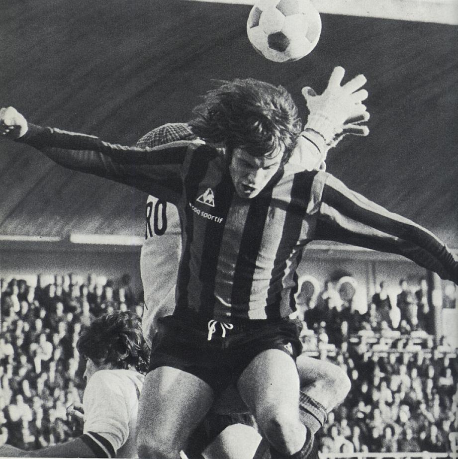 En deux saisons avec le Gym et trois avec l'Ajax, Van Dijk a toujours fait l'unanimité.