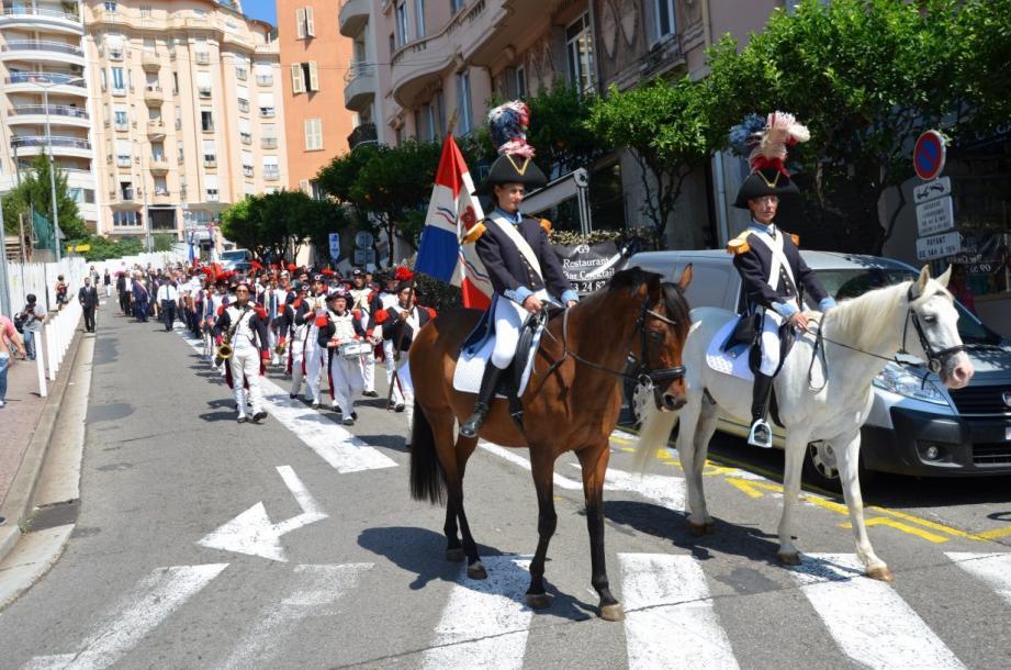 Un magnifique défilé dans les rues du centre-ville, admiré par la population.