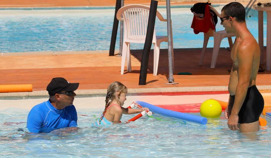 Que les enfants soient à l'aise dans l'eau, c'est le but de ces séances.