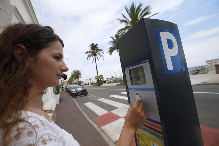 La Ville propose diverses solutions de stationnement, l'été, à Menton.