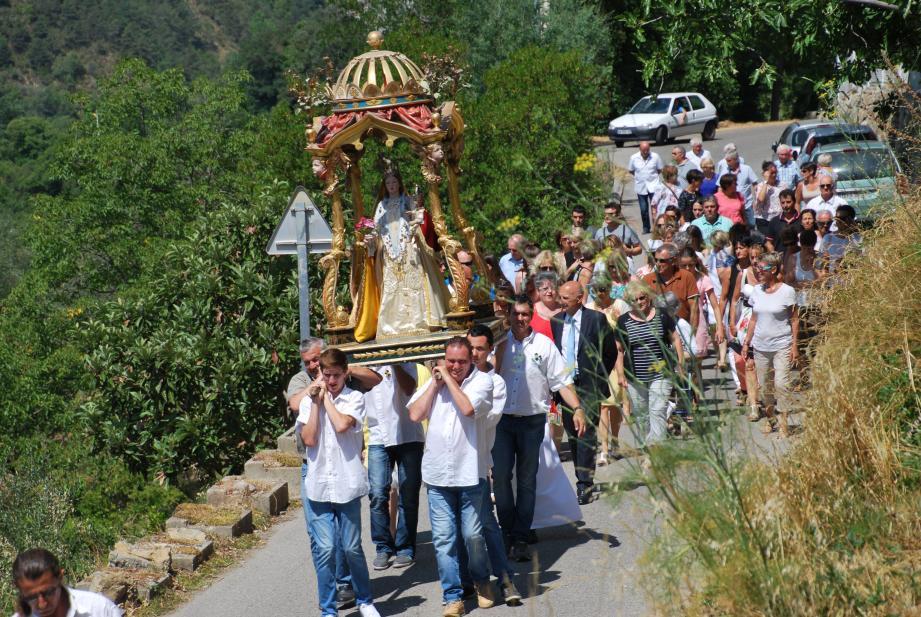 La procession avec la sainte patronne du village.(DR)