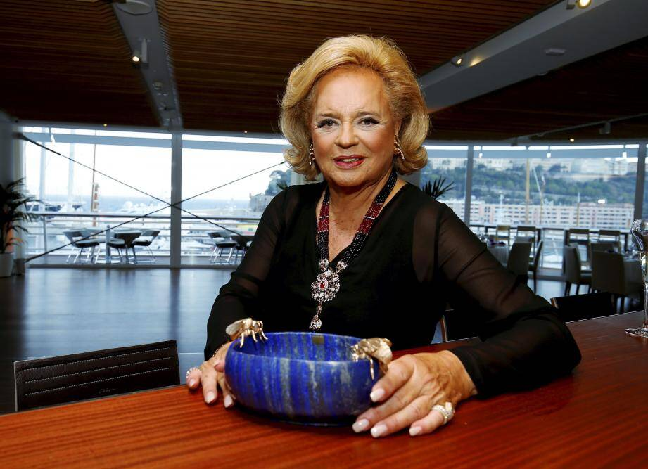 La princesse a donné lundi soir un dîner au Yacht-club, en présence du souverain, pour présenter ses dernières créations.