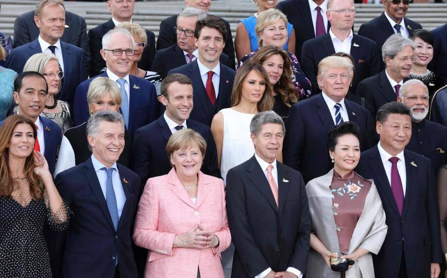 Les dirigeants des pays membres du G20 et leurs conjoint(e)s.