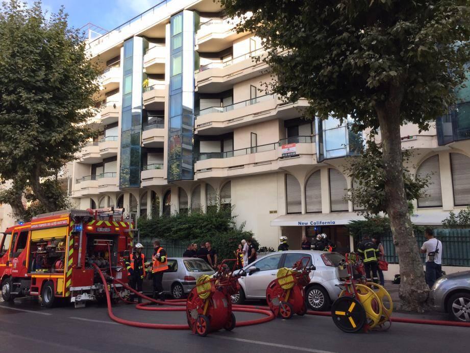 L'incendie s'est déclaré au 1er étage d'un immeuble situé au 104 boulevard Wilson.