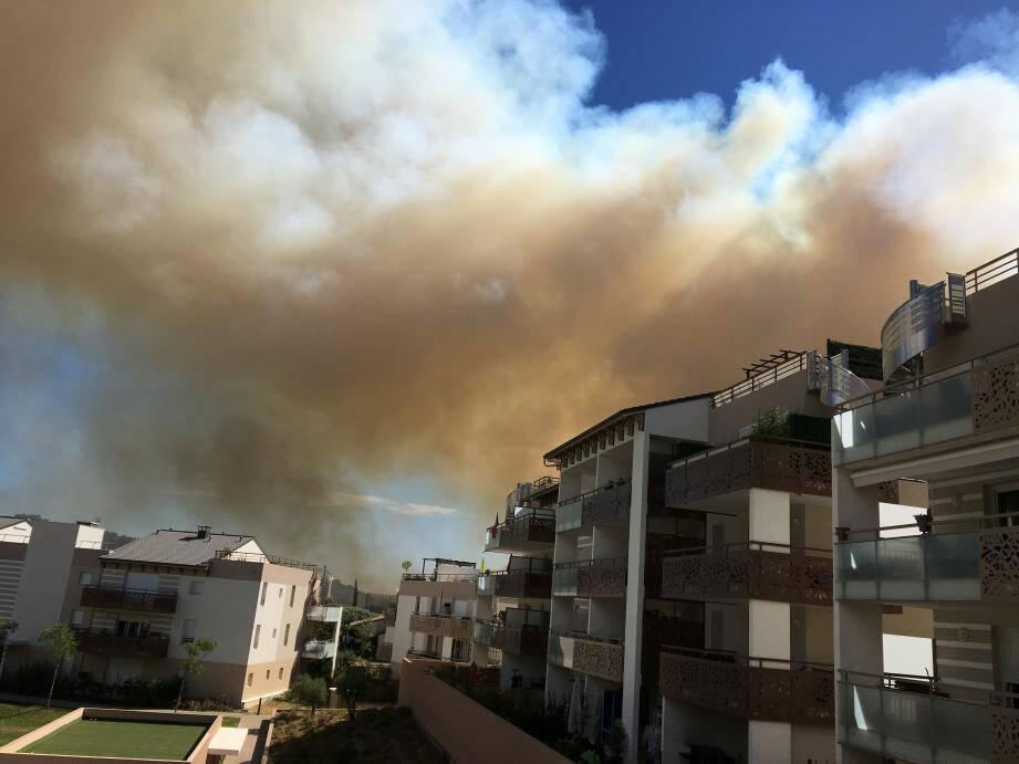 L'incendie du côté de Carros.