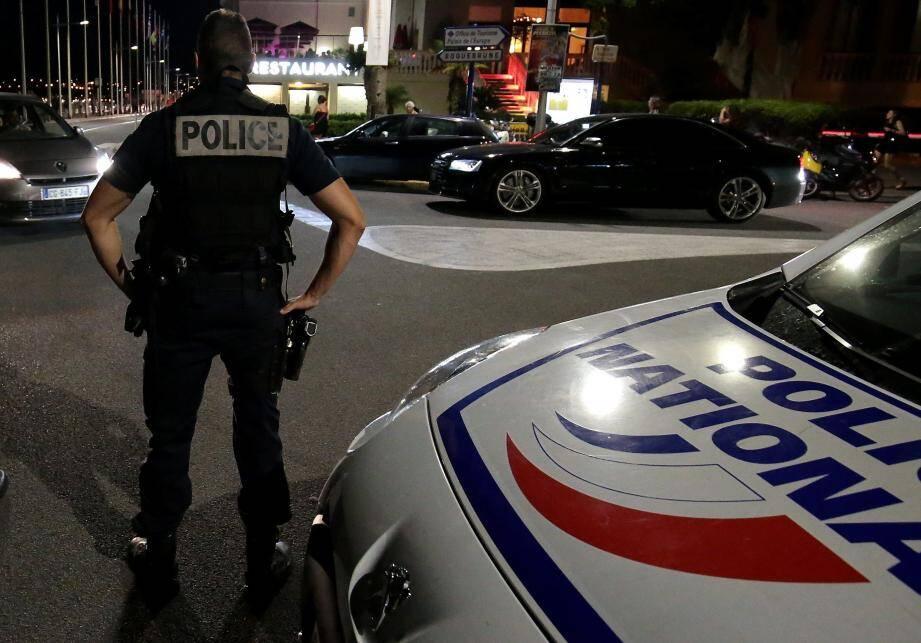 Contrôle de la police nationale / Illustration