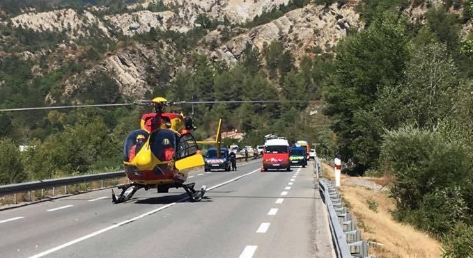 Le blessé a été transporté par l'hélicoptère de la sécurité civil à l'hôpital Pasteur 2.