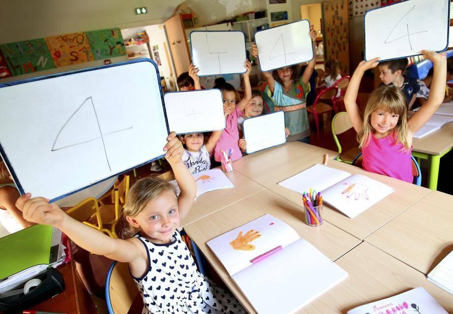 Les écoliers mentonnais vont retrouver dès le 4 septembre la semaine rythmée à quatre jours d'école. (Archives photos Jean-François Ottonello)