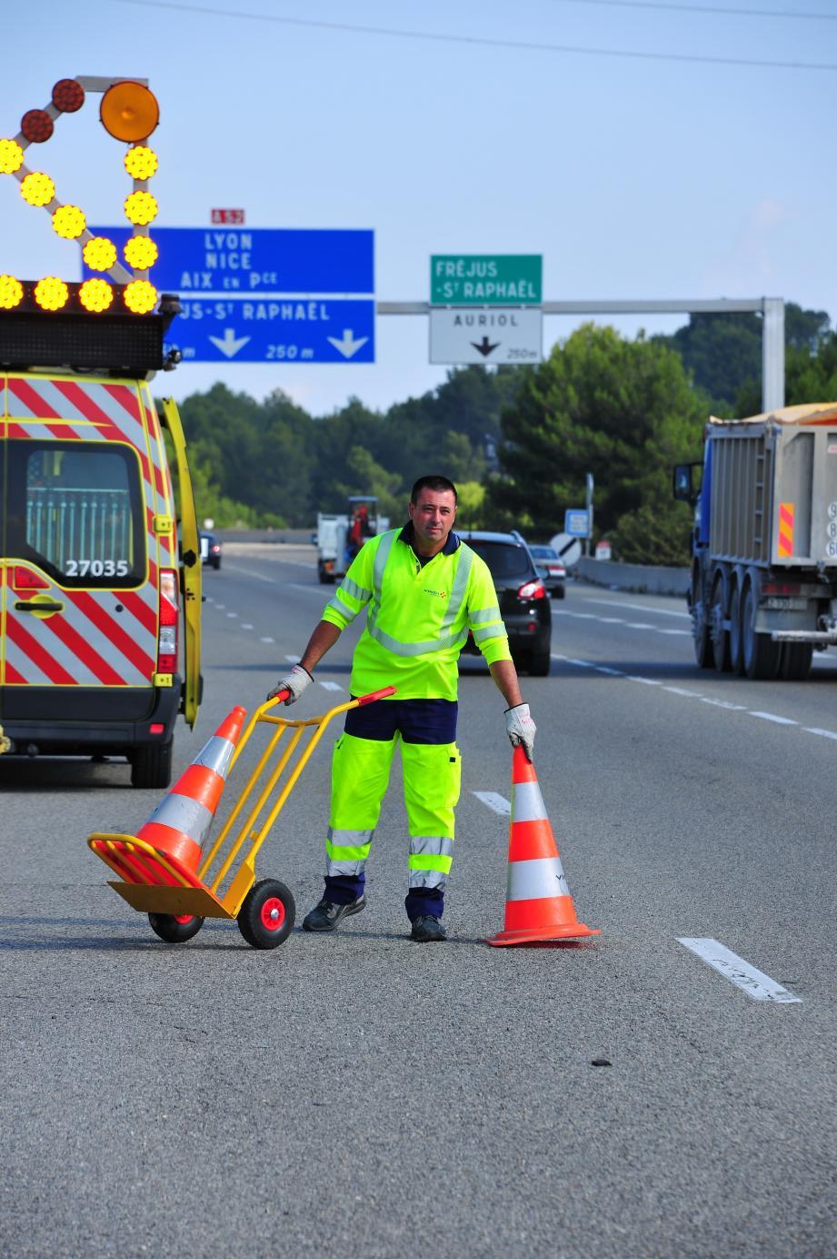 Les « hommes en jaune » travaillent quotidiennement pour notre sécurité. Respectons-les !