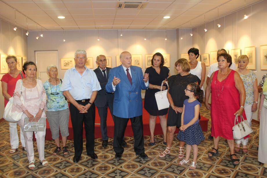 Jean-Pierre Gimberges a été chaleureusement remercié par le maire et collectionneur, Alain Frère.