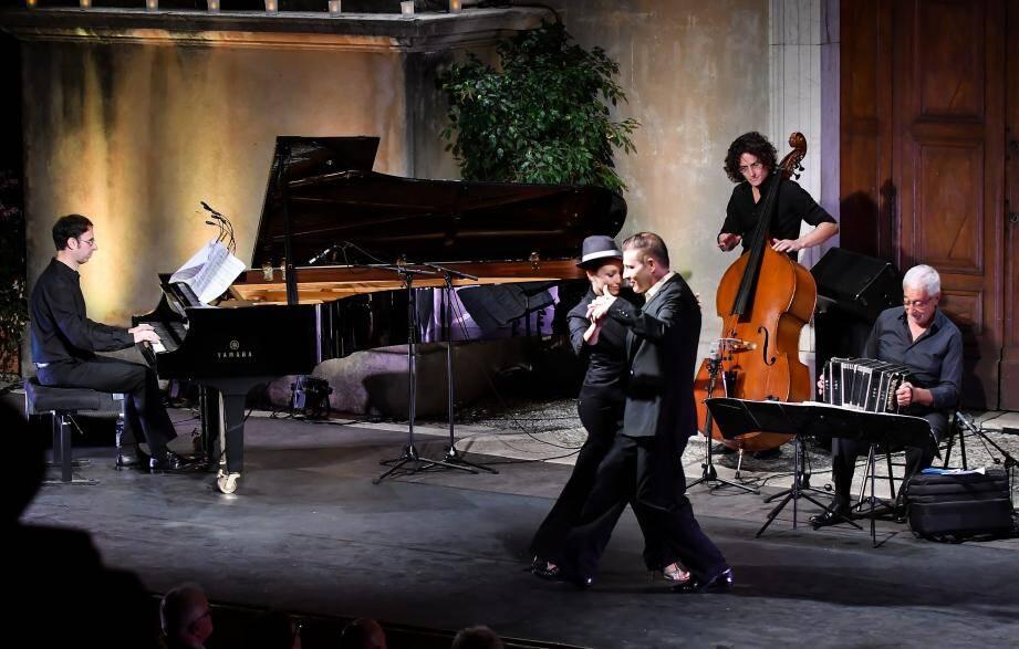 Hier soir, le Parvis a pris des airs de Buenos Aires grâce au talent de Juan José Mosalini.