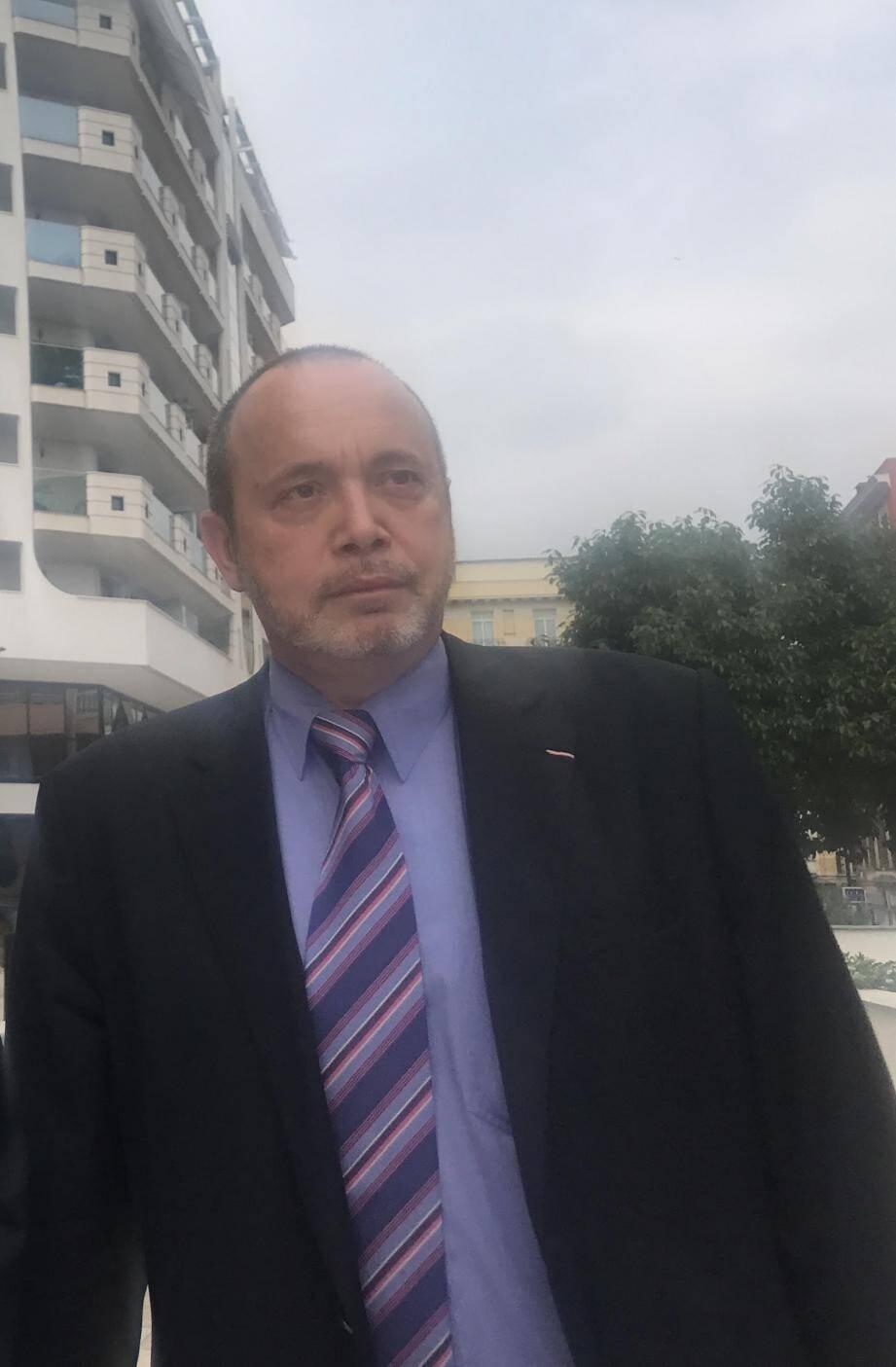 « Des indemnités à 1 500 euros pour un F2, 2 500 euros pour un F3, 3 500 pour un F4. C'est mesquin et contre-productif », selon le conseil national, président de la commission Logement.
