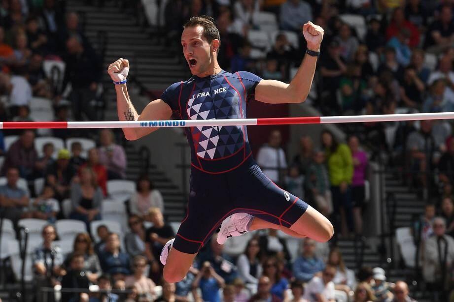 Une formalité ! Hier matin, sur ce sautoir londonien qu'il affectionne tant, Renaud Lavillenie est très vite allé chercher à 5,60 m et 5,70 m son sésame pour la finale des Mondiaux 2017.(Crédit_photo)