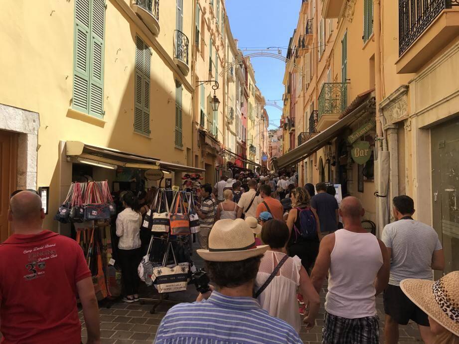 Beaucoup de touristes, peu de place pour circuler…