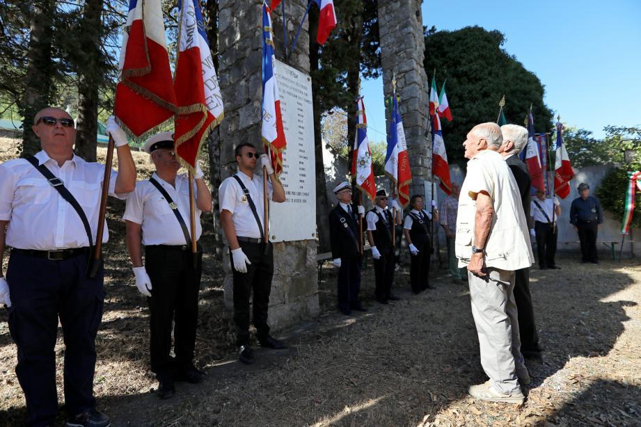 La citation des quinze résistants assassinés par l'ennemi figure parmi les instants forts de ces commémorations en souvenirs des martyrs de l'Albaréa. À chaque nom, l'assistance rappelait « Mort pour la Liberté ».(Poto Julien Avinent)