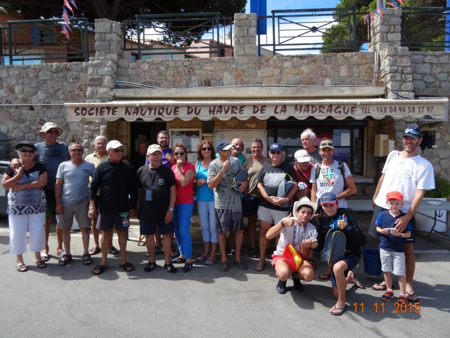 Tous les participants à quai, au port de la Madrague de Giens.