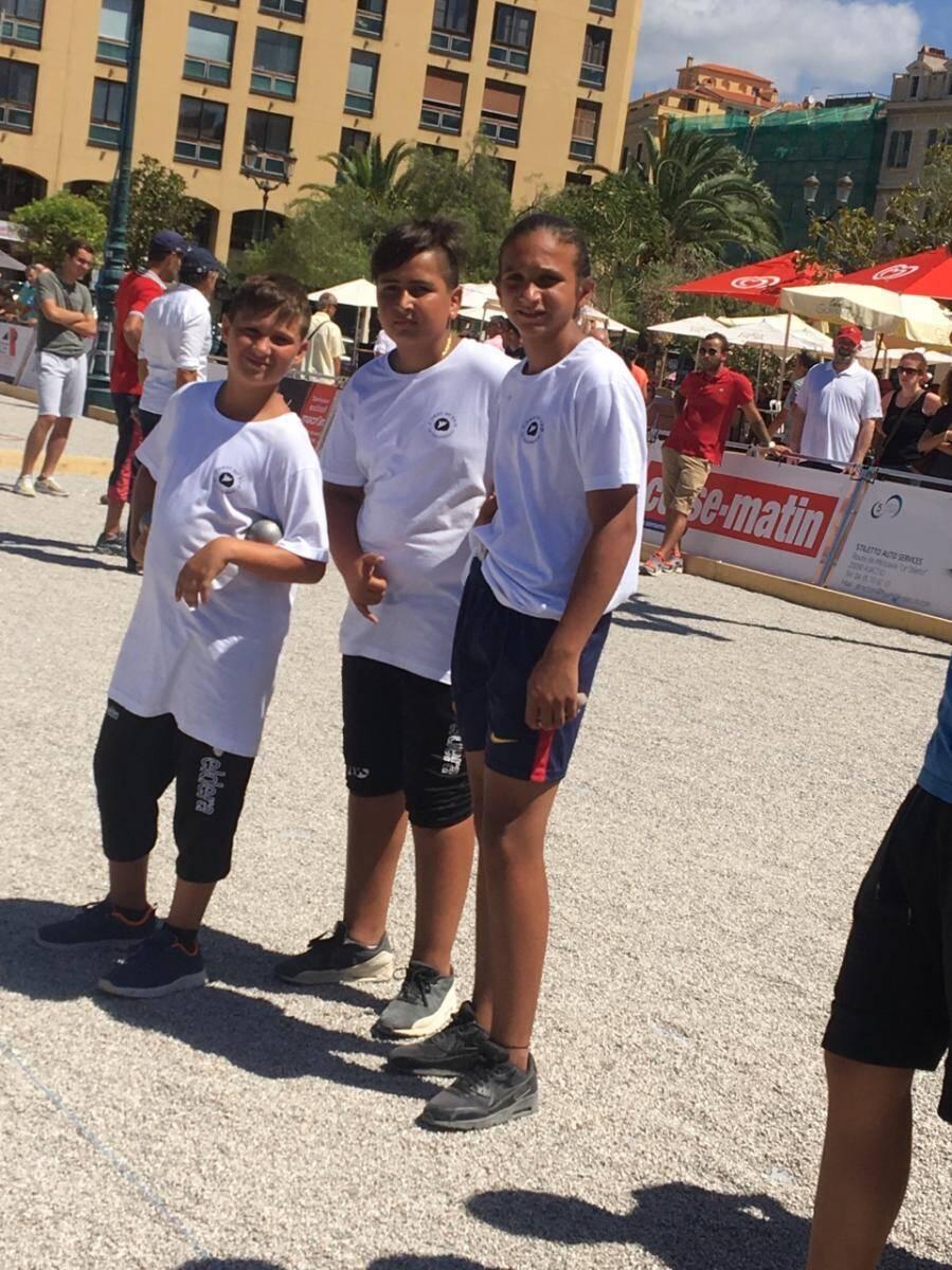 Lors du National d'Ajaccio. Devant, c'est Mathéo, au milieu on retrouve Nicolas, et au fond c'est Romain.