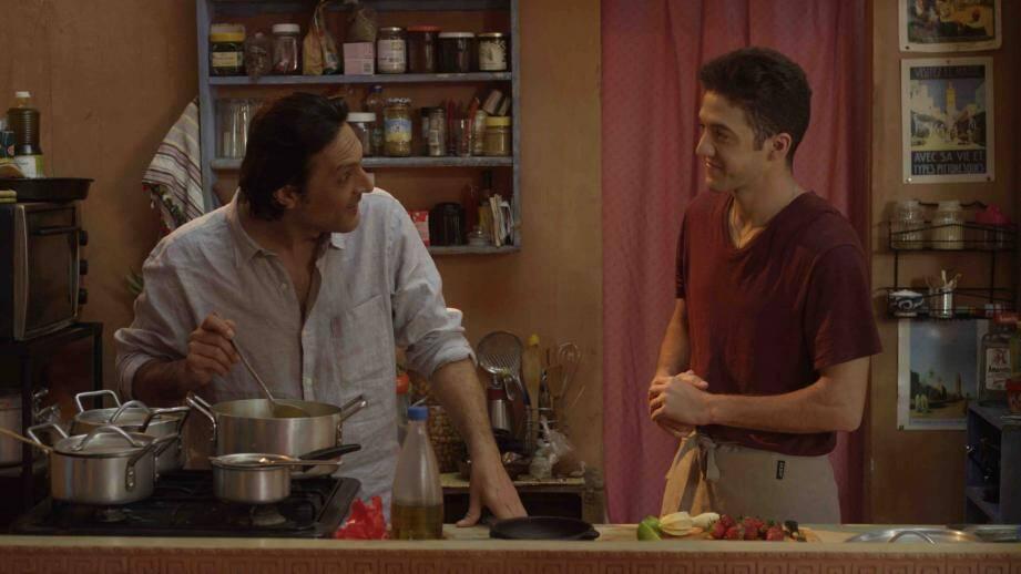 Olivier Sitruk et Madi Belem, dans une scène du film.