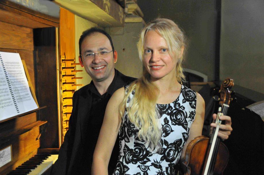 Le duo formé par la lituanienne Lina Uinskyte et l'italien Marco Ruggeri sera en représentation, dimanche, en l'église Saint-Pierre-ès-Lien. (D. R.)