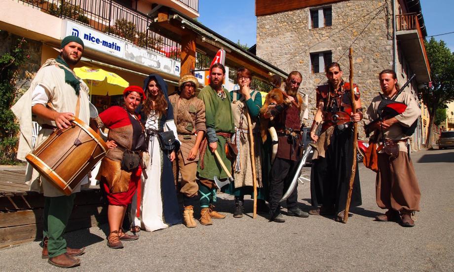 Les troubadours ont investi les rues du village à l'occasion de la fête médiévale.