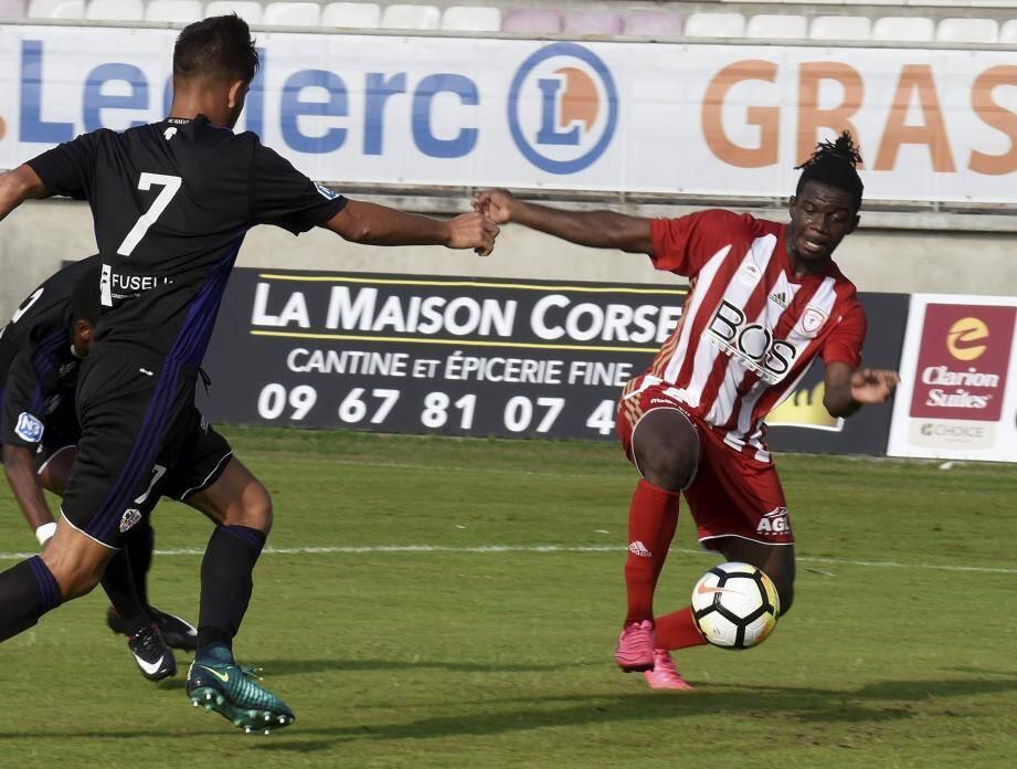 Après avoir battu l'équipe corse de Balagne en ouverture du championnat (3-0), les hommes du duo Michaël Marsiglia - Michel Pavon ont confirmé leur bon début en battant la réserve de l'AC Ajaccio (2-0).