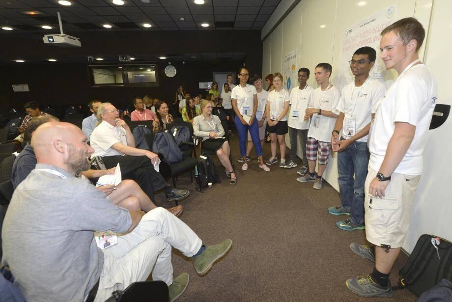 Des travaux collectifs ont rassemblé des lycéens du monde entier nationalités devant des jurys cosmopolites.