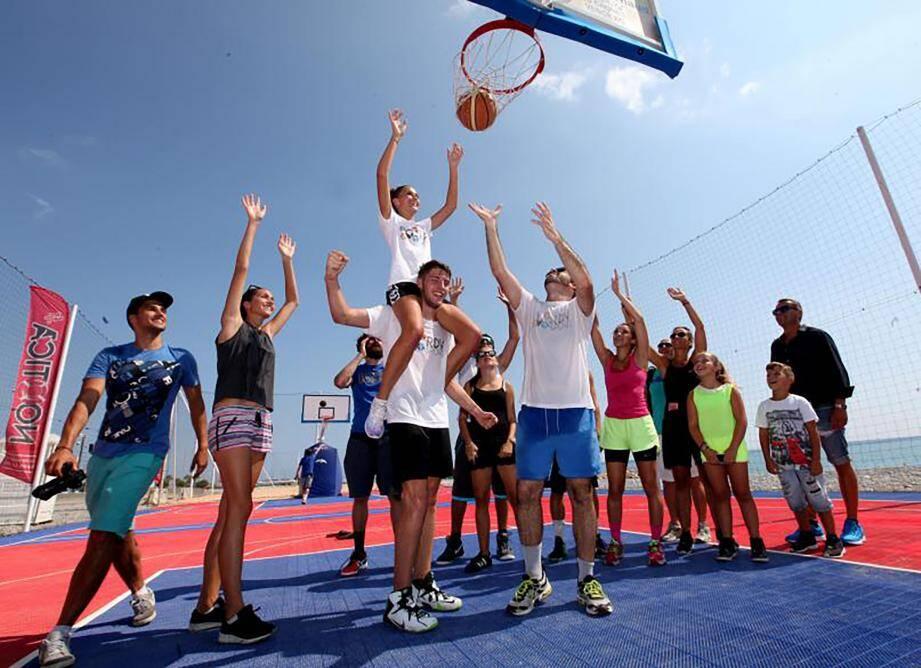 Enfants comme adolescents ont bien profité de l'été sur la Côte d'Azur.