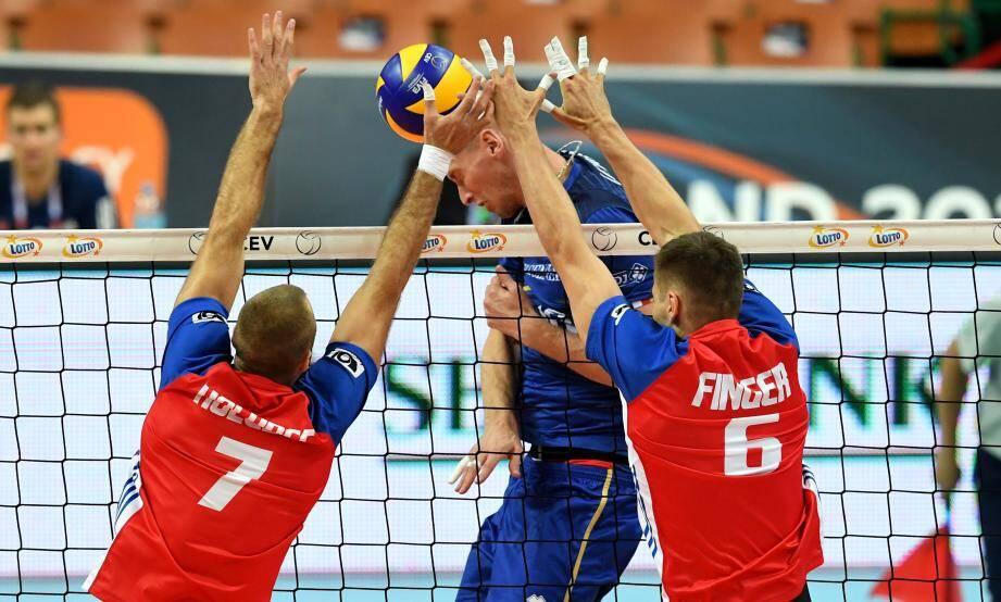 Kevin Le Roux et les Français, impuissants face aux Tchèques.