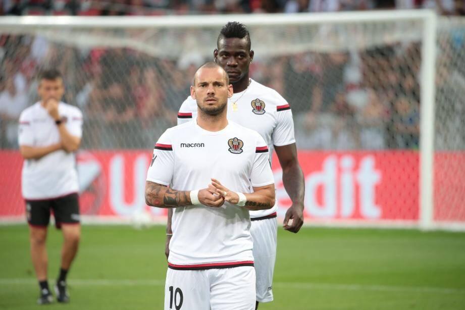 Sneijder et Balotelli à l'échauffement