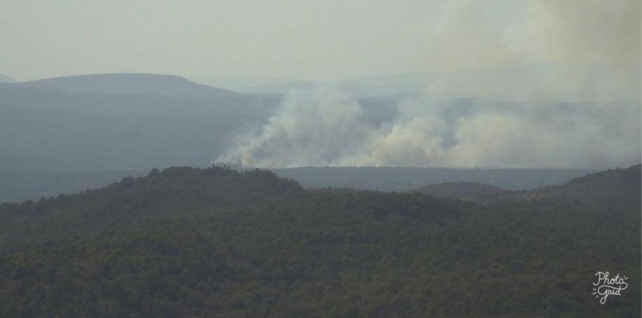 L'incendie près d'Aups.