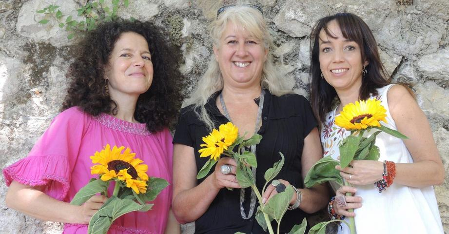 Le trio de femmes.