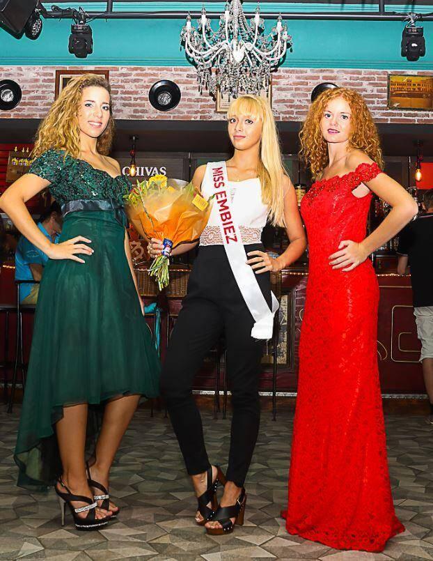 Valentine Mazur avec ses deux dauphines, Andréa Dalichoux (à droite) et Ophélie Bellon (à gauche).