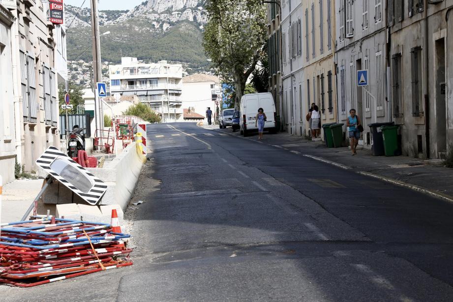 Laissé en stand-by ces derniers temps en raison des congés d'été de plusieurs entreprises, le chantier avenue du Docteur-Fontan doit reprendre aujourd'hui. D'ici un mois, il devrait être totalement achevé.