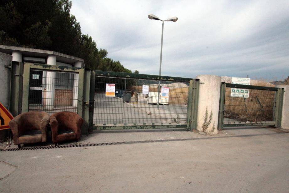 Les dépôts sauvages ont entraîné la fermeture de la déchetterie intracommunautaire du col Pellettier à Blausasc.