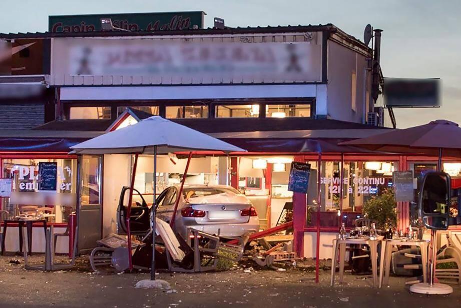 La pizzeria attaquée par le conducteur, dans la Seine-et-Marne, lundi soir.