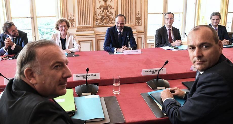 Lors de la réunion à Matignon entre le gouvernement et les partenaires sociaux.