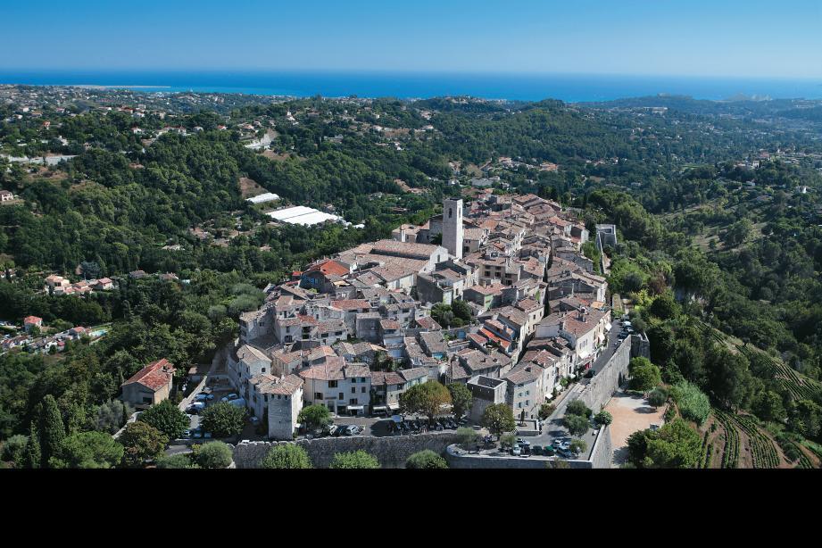Parmi les suggestions du cabinet d'études Citadia : protéger le village de toute construction et donc le  paysage, et améliorer son accès.
