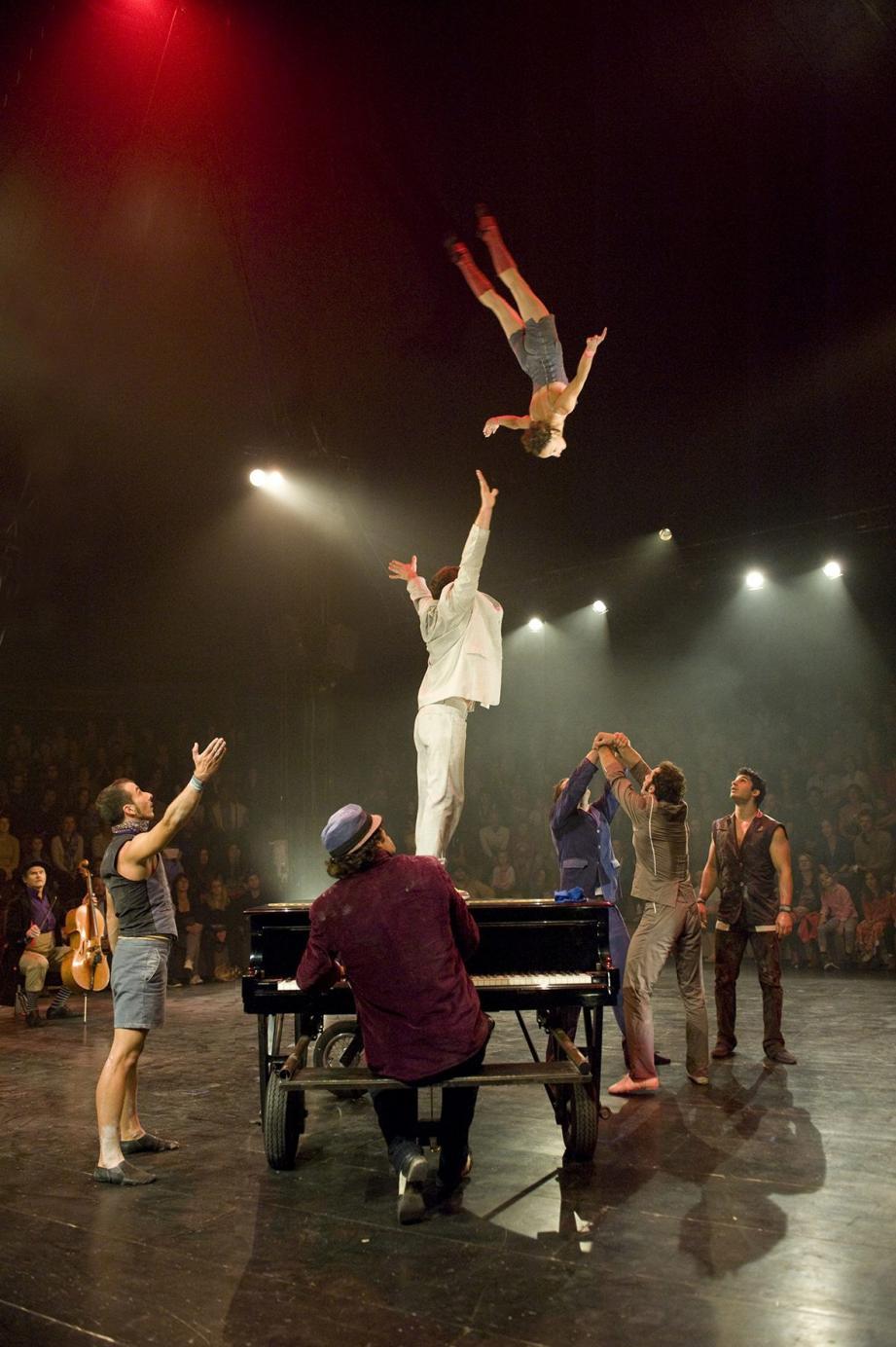 Klaxon, du cirque de très haute volée.