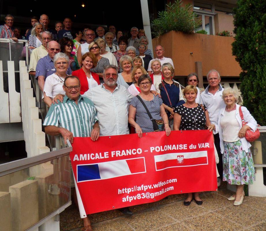 L'amicale franco polonaise du Var souffle trente-cinq bougies de solidarité, d'amitié, de culture et de respect des traditions des deux nations.