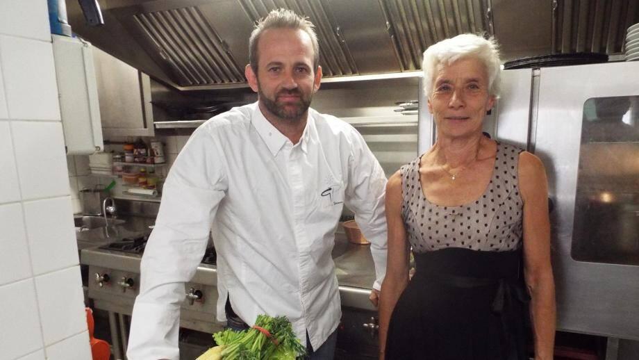 Le chef de « La Badiane » Geoffrey Poësson et la présidente de l'association Saveurs et Terroirs, Martine André, ont lancé officiellement les inscriptions pour le concours de cuisine.