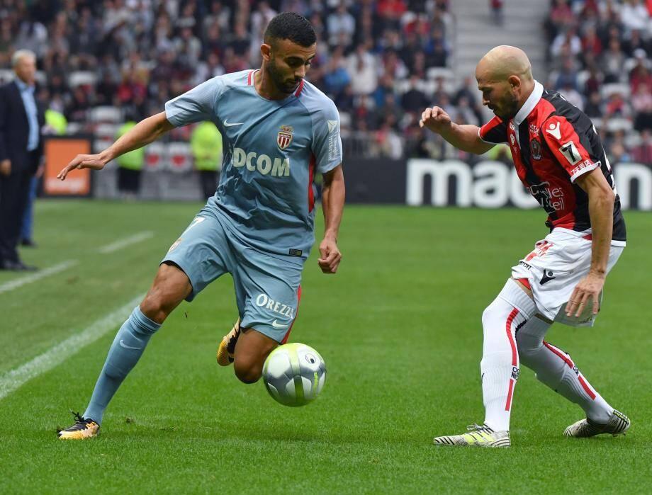 Rachid Ghezzal (ici face à Jallet contre Nice) espère débuter la rencontre demain face à Strasbourg.