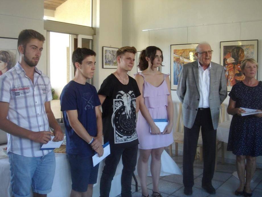 Les élèves ont été félicités par le maire et les élus. (DR)