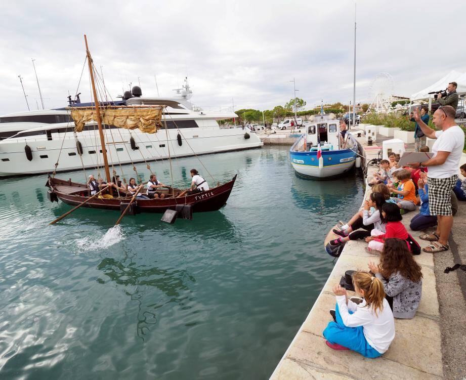 Vingt années ont été nécessaires pour réaliser la réplique de l'antique bateau de pêche côtière, dont l'épave a été découverte à Marseille.