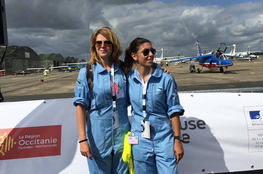 Derniers préparatifs pour les jeunes pilotes, mercredi, autour du Robin DR-400 tout juste siglé au nom de leurs partenaires.