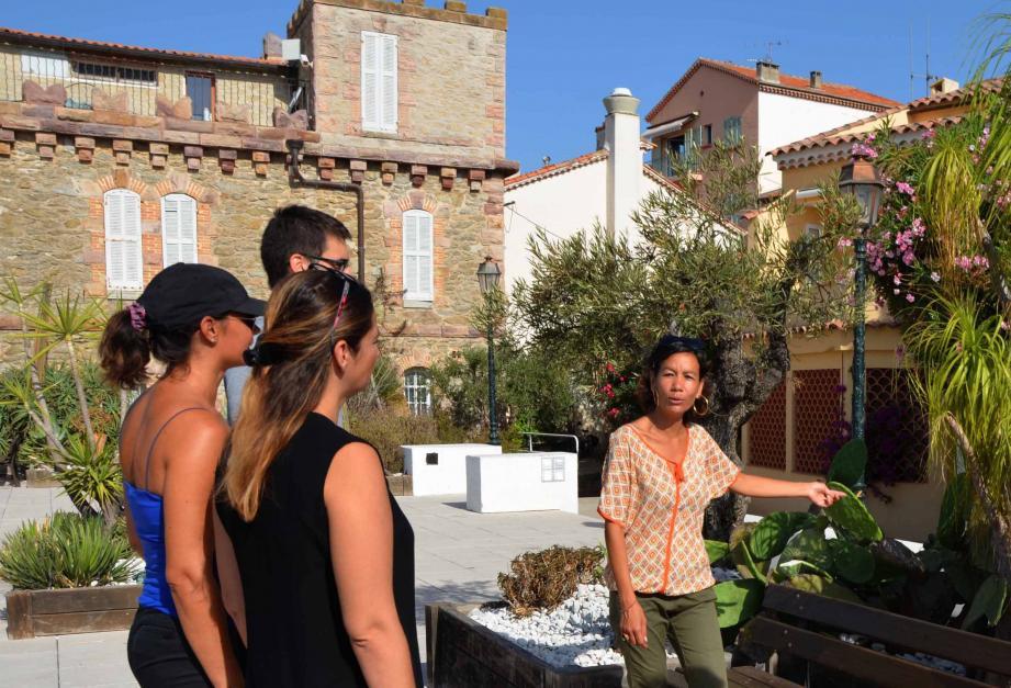 Avec Sandrine, une visite historique et botanique.