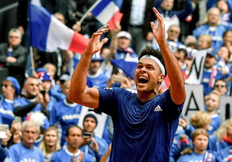 Tsonga a tordu le cou du chat noir lillois. La France est en finale !