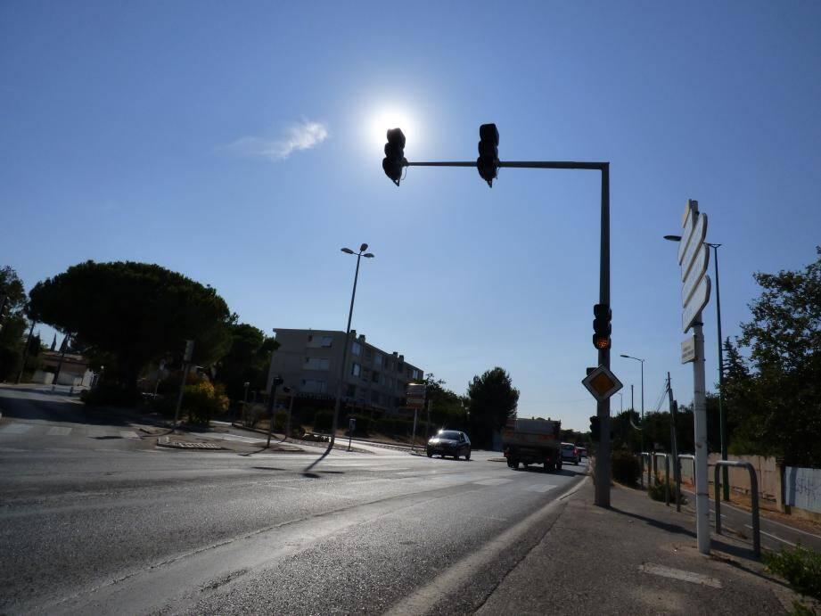 Pour l'instant, la requalification du carrefour du Pin-de-Galle n'est qu'un plan étalé sur le bureau du maire Hervé Stassinos. D'ici quelques jours, ça sera le chantier le plus important de l'année de la commune .