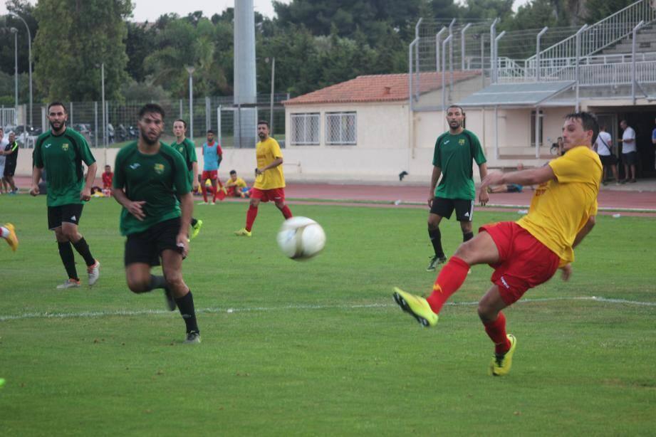 Malgré son premier but inscrit sous ses nouvelles couleurs, Riad Dob n'a pu empêcher la défaite de son équipe.