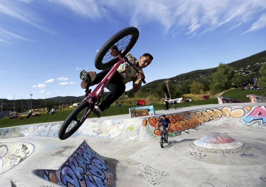 Spectacle et ambiance tout au long du week-end au skatepark de la cité du Dragon.